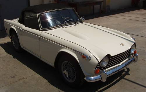 1965 Triumph TR5 PI For Sale (picture 1 of 6)