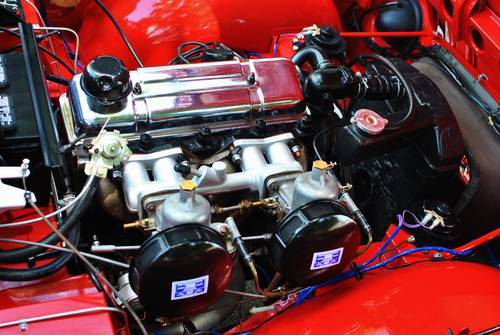 1962 Triumph TR-4 Roadster 4-Speed Rotisserie Restored For Sale (picture 4 of 6)
