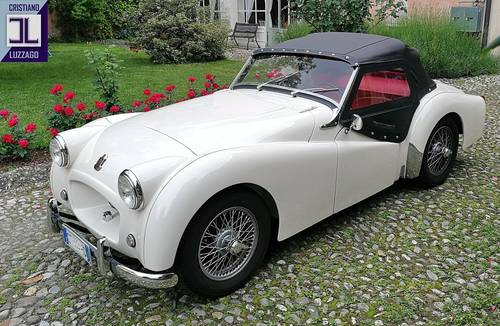 1954 TRIUMPH TR2 LONG DOOR JUST TOTALLY RESTORED SOLD (picture 1 of 6)