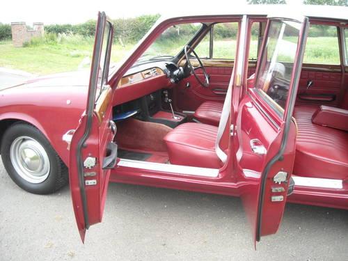 1965 TRIUMPH 2000 MK1 AUTO STUNNING RESTORED CAR SOLD (picture 6 of 6)