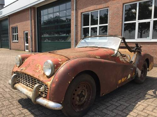 1960 Triumph TR3A for restoration For Sale (picture 1 of 6)