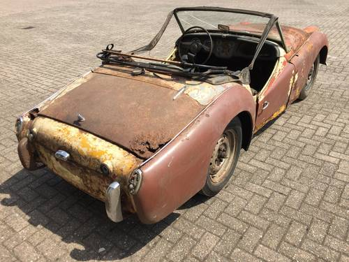 1960 Triumph TR3A for restoration For Sale (picture 2 of 6)