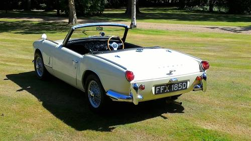 1966 FULLY RESTORED TRIUMPH SPITFIRE MK2 WITH OVERDRIVE For Sale (picture 2 of 5)