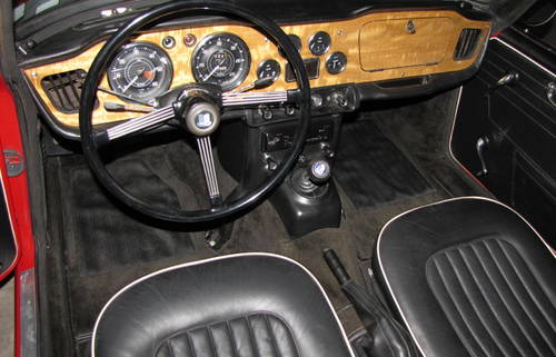 1965 Triumph  TR4 A  IRS Roadster SOLD (picture 3 of 6)