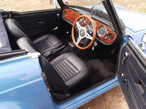 1974 TRIUMPH TR6 FRENCH BLUE WITH OVERDRIVE SOLD (picture 3 of 5)