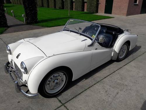 TRIUMPH TR 3 RARE MODEL 1957 VERY NICE SOLD (picture 1 of 6)