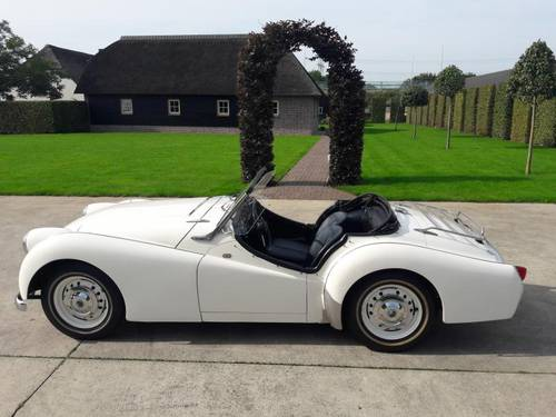 TRIUMPH TR 3 RARE MODEL 1957 VERY NICE SOLD (picture 2 of 6)