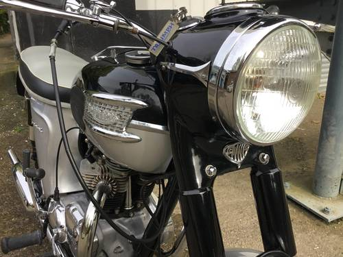 Stunning 1964 Triumph Thunderbird. SOLD (picture 1 of 6)