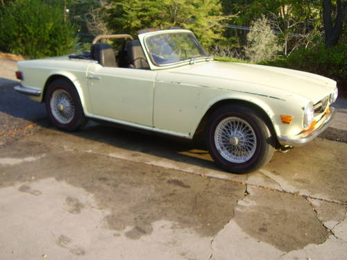 1969 TR6 - one of the first made - no rust!  SOLD (picture 5 of 6)