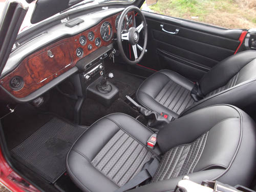 TRIUMPH TR6 1972 RED GENUINE UK 150BHP CAR  SOLD (picture 2 of 5)