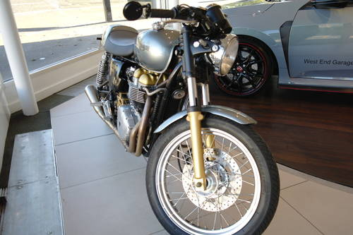 2003 Thruxtonised almost to perfection See Dec Classic Bike Guide For Sale (picture 3 of 3)
