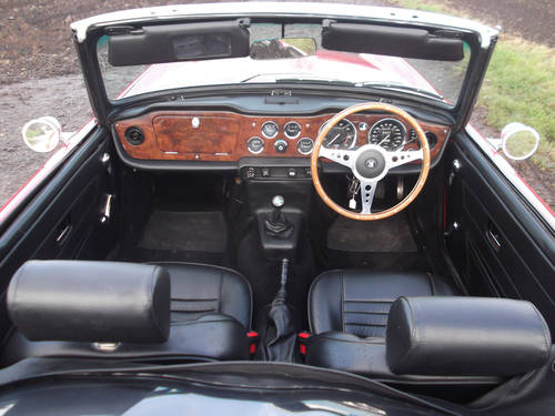TR6 1974 RED WITH OVERDRIVE. FULL BODY OFF CHASSIS RESTORATI SOLD (picture 2 of 6)