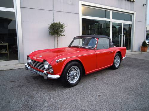 1965 Triumph TR4 IRS LHD For Sale (picture 1 of 6)