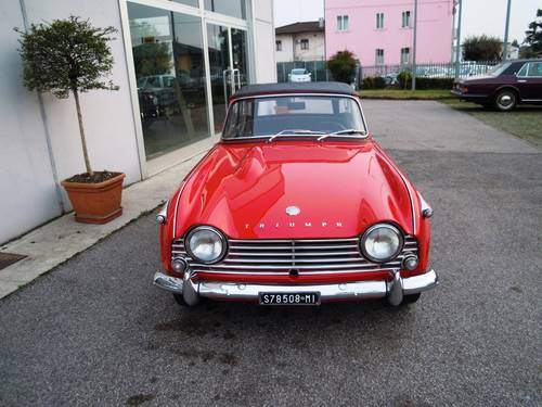 1965 Triumph TR4 IRS LHD For Sale (picture 2 of 6)