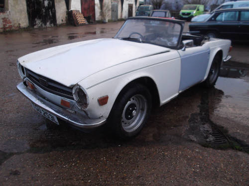 PROJECT TR6 1973 ORIGINAL FUEL INJECTED UK CAR WITH OVERDRIV SOLD (picture 1 of 5)