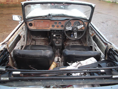PROJECT TR6 1973 ORIGINAL FUEL INJECTED UK CAR WITH OVERDRIV SOLD (picture 2 of 5)