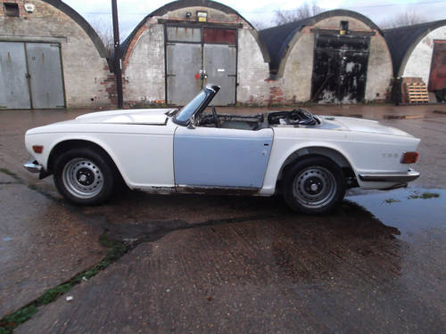 PROJECT TR6 1973 ORIGINAL FUEL INJECTED UK CAR WITH OVERDRIV SOLD (picture 4 of 5)