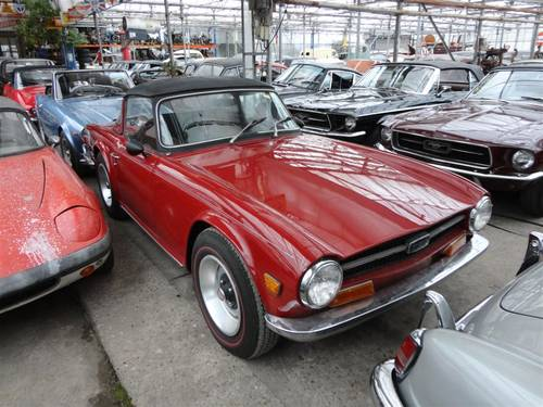 1969 Triumph TR6 with Surrey top For Sale (picture 2 of 6)