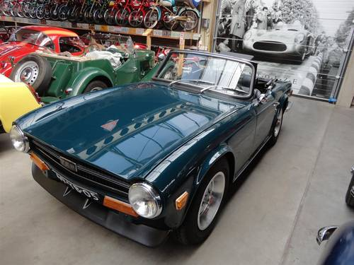 1969 Triumph TR6 with Surrey top For Sale (picture 4 of 6)