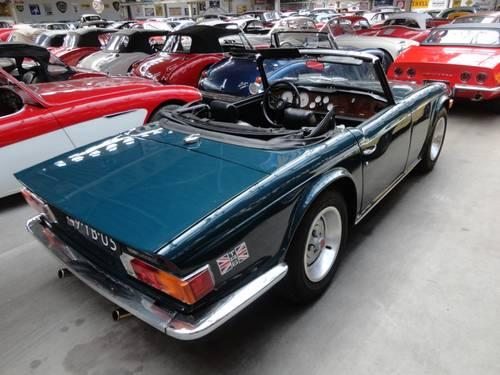 1969 Triumph TR6 with Surrey top For Sale (picture 5 of 6)