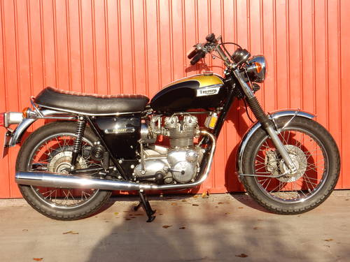 TRIUMPH TRIDENT T150V 1974 741cc MATCHING NUMBERS MOT'd 10/1 For Sale (picture 1 of 6)