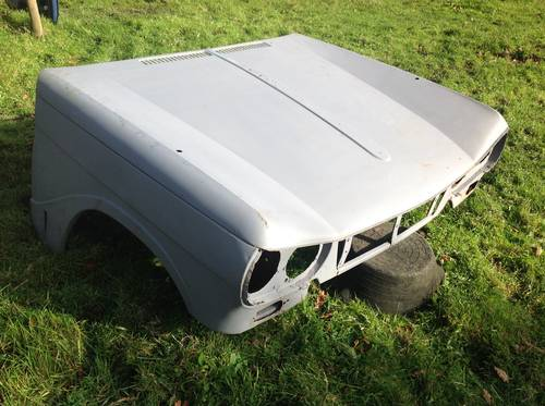 Triumph Vitesse Bonnet - Steel  SOLD (picture 4 of 5)