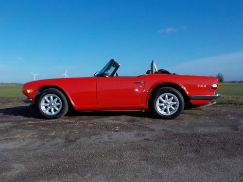 1968 RED TRIUMPH TR5 ORIGINAL UK CAR WITH SURREY TOP SOLD (picture 4 of 6)