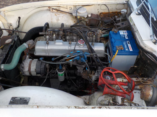 1971 WHITE TRIUMPH TR6 PROJECT GENUINE 150 BHP UK CAR WITH O SOLD (picture 6 of 6)