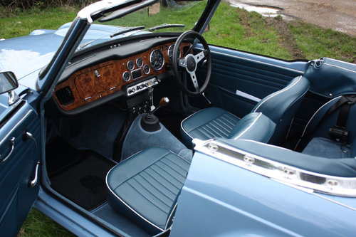 TR4 1964 LIGHT BLUE WITH OVERDRIVE SOLD (picture 2 of 6)