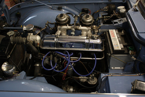 TR4 1964 LIGHT BLUE WITH OVERDRIVE SOLD (picture 3 of 6)
