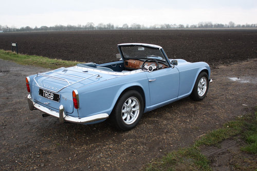 TR4 1964 LIGHT BLUE WITH OVERDRIVE SOLD (picture 4 of 6)