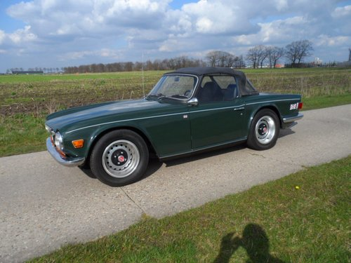 1970 Triumph TR6 BRG '71 SOLD (picture 1 of 6)