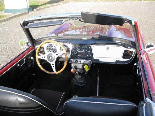 1963 Triumph TR4  € 27.900 For Sale (picture 6 of 6)