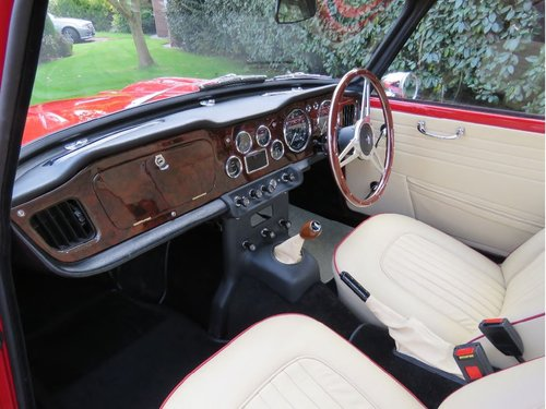 1966 Triumph TR4A IRS surrey top SOLD (picture 5 of 6)