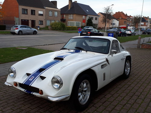 Lovely example of TVR Griffith 400 from 1965 For Sale (picture 2 of 6)