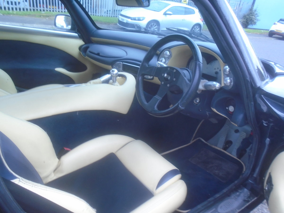 2004 TVR T350C ROLL ROYCE BLACK SAPPHIRE WITH BLUE AND CREAM For Sale (picture 5 of 6)