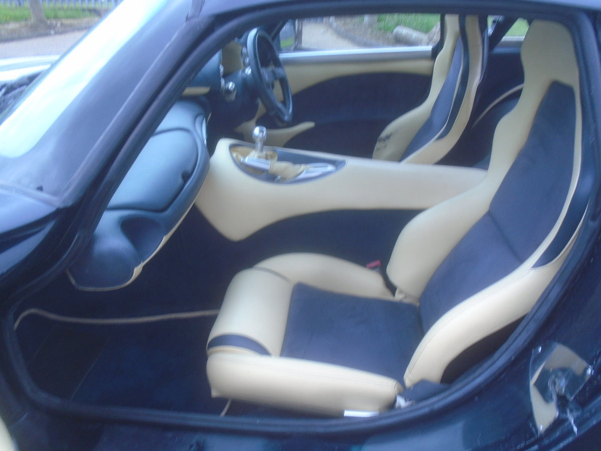 2004 TVR T350C ROLL ROYCE BLACK SAPPHIRE WITH BLUE AND CREAM For Sale (picture 6 of 6)
