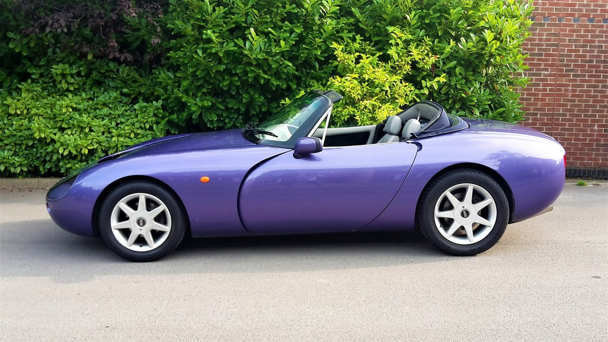 SUPER LOW MILEAGE1997 TVR GRIFFITH 5.0 V8 / PX For Sale (picture 2 of 6)