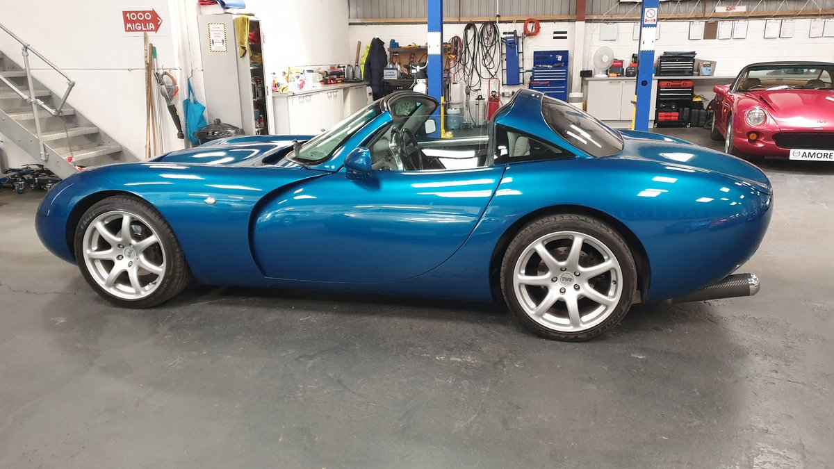 2000 Head Turning - TVR Tuscan Mk1 4.0 in Halcyon Atlantis SOLD (picture 3 of 6)
