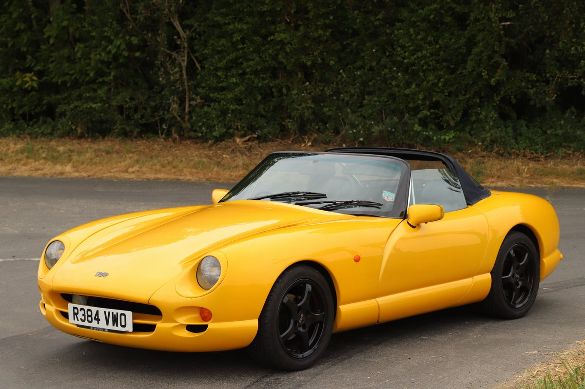 TVR Chimaera 500, 5.0L V8, 1997. Stunning example in yellow For Sale (picture 2 of 6)
