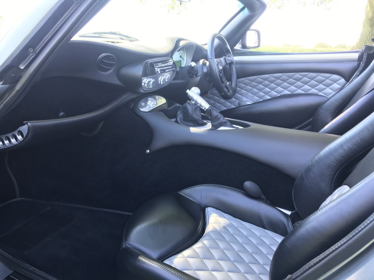 2008 Factory Built MK3 Wavey Dash - Outstanding  SOLD (picture 3 of 6)