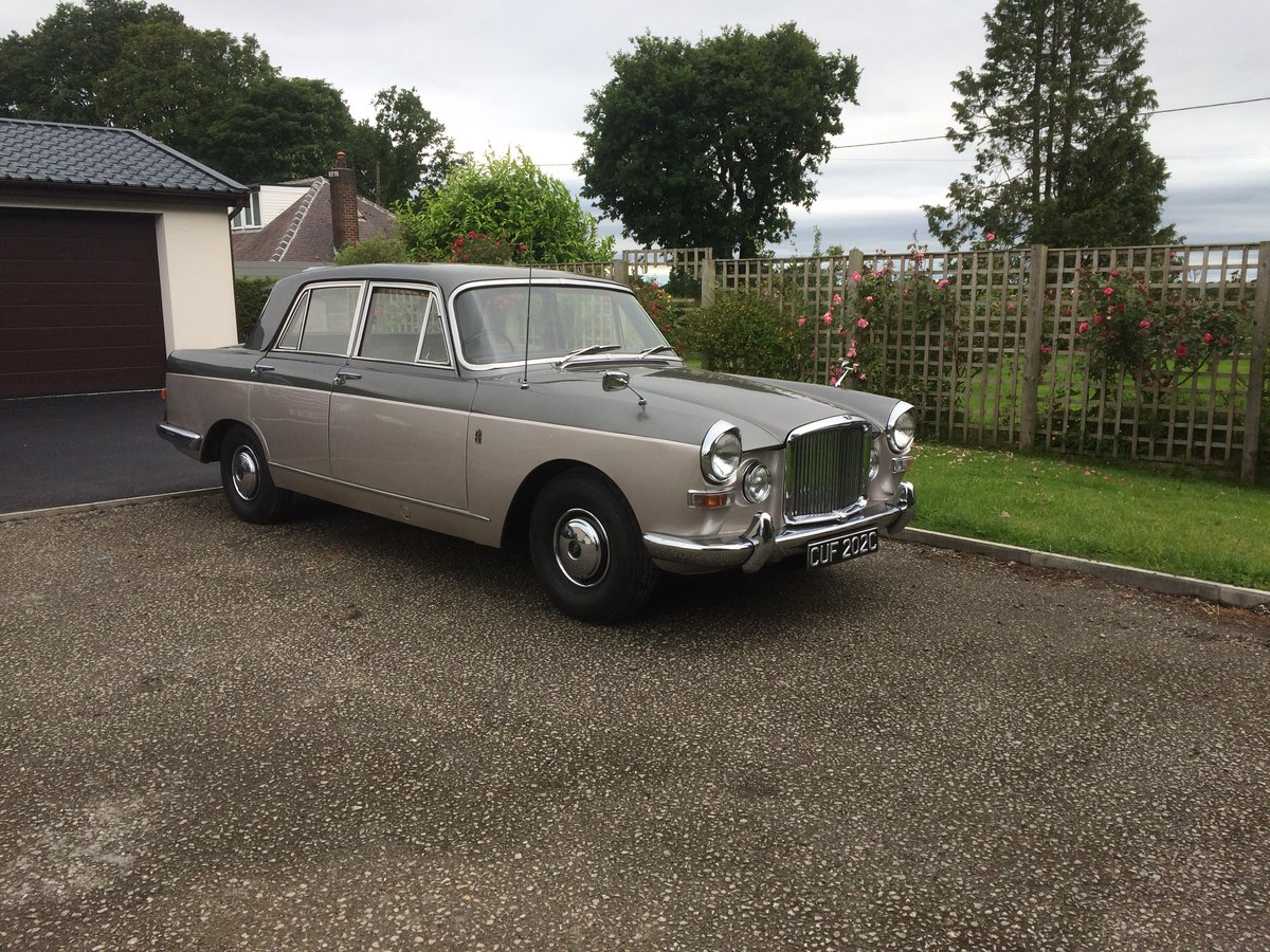 1965 Vanden Plas Princess 4 Litre R SOLD (picture 1 of 6)