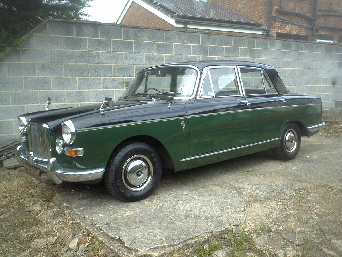 1965 Vanden plas princess 4 litre R  Auto  SOLD (picture 2 of 6)