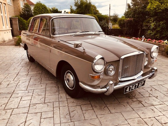 1966 Vanden Plas Princess 4 Ltr R Show Condition SOLD (picture 2 of 6)