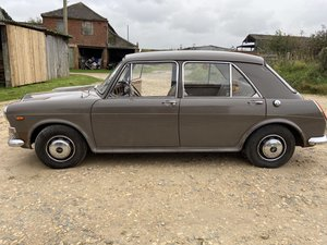 Picture of 1969 Vanden plas 1300 for rolling restoration
