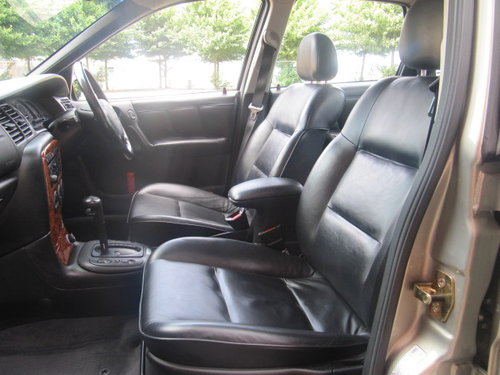 1997 VECTRA 2.5i V6 CDX AUTO * LEATHER * A/c * ONLY 14000 MILES For Sale (picture 4 of 6)