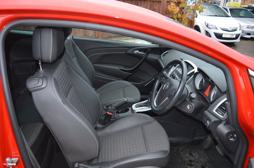 2016 Vauxhall Astra Gtc 2.0 CDTi SRi DIESEL AUTO COUPE For Sale (picture 5 of 6)