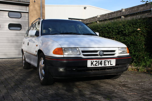 1992 Mk3 Vauxhall Astra SRi 2.0 8v For Sale (picture 1 of 6)