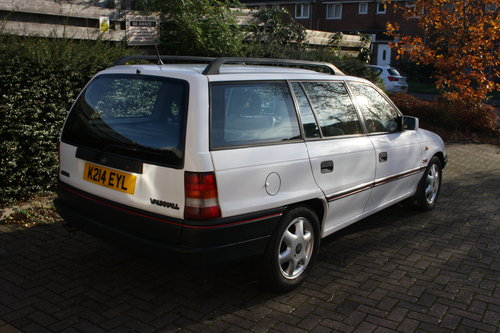 1992 Mk3 Vauxhall Astra SRi 2.0 8v For Sale (picture 2 of 6)