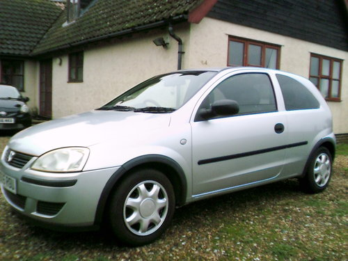 2005 very tidy low mileage corsa 1.2 life 3 door hatchback silver For Sale (picture 1 of 6)